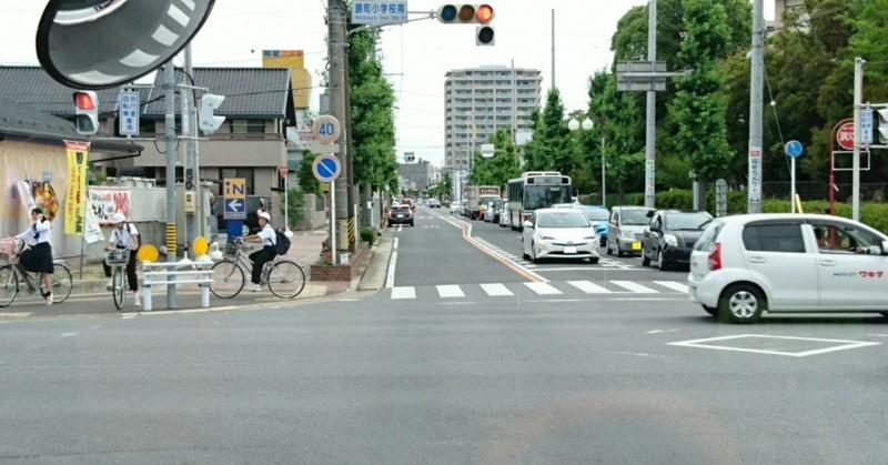 2017.6.22 名鉄バス (1) 錦町小学校南交差点 1280-670