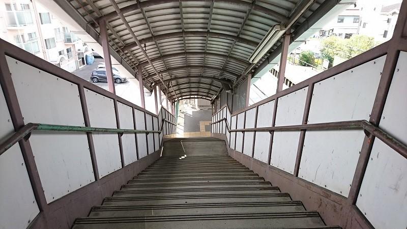 2017.7.16 名鉄 (13) 宇頭=あがりホームこせんきょう階段