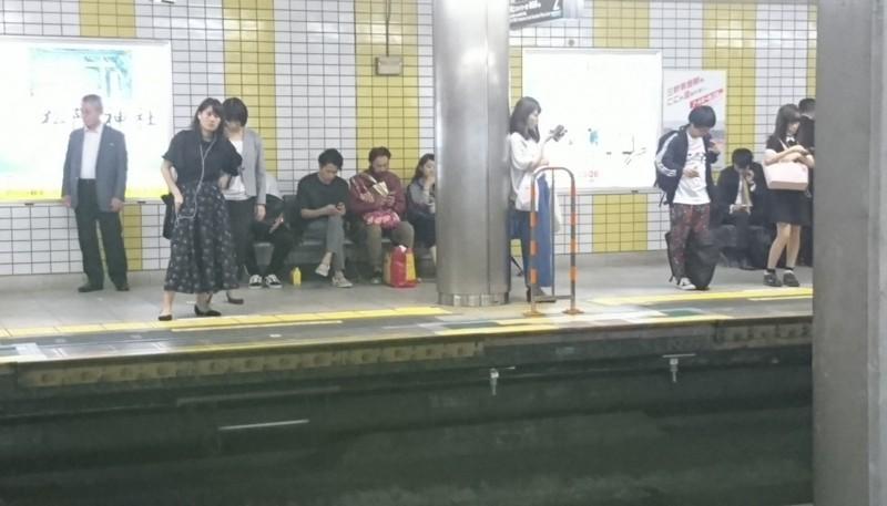 2017.10.12 東京 (105) 三軒茶屋 - 渋谷方面ホーム 1260-720
