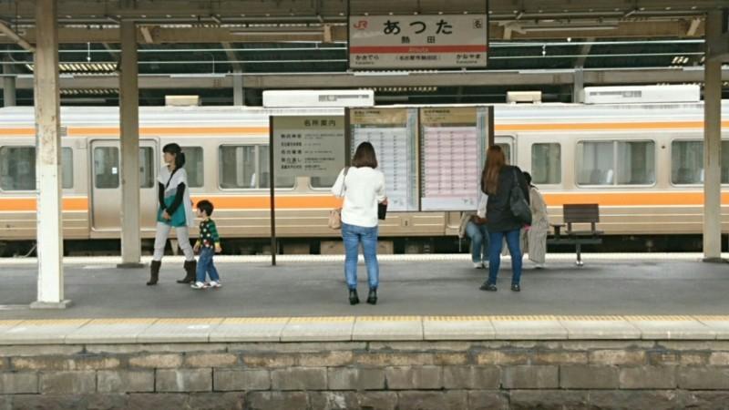 2017.10.18 (8) 熱田 - 名古屋方面ホーム 1830-1030