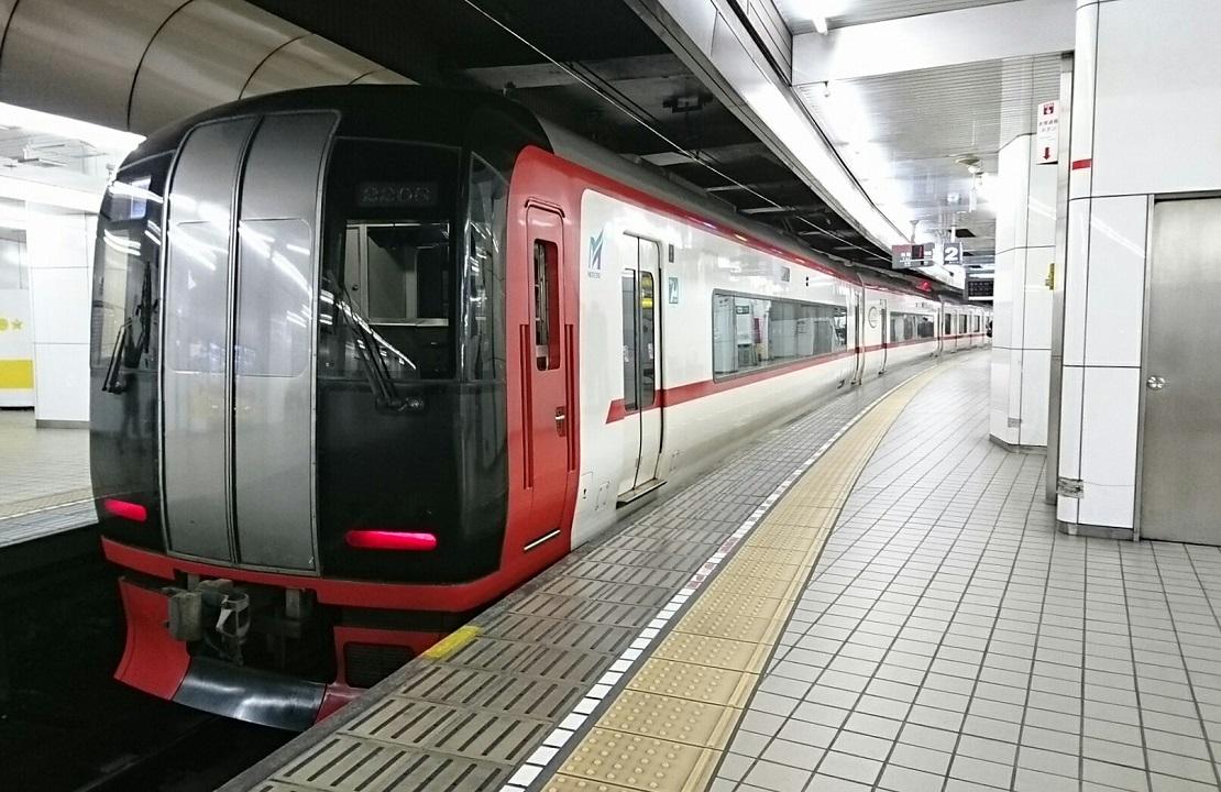 2017.12.20 名古屋 (9) 名古屋 - 岐阜いき特急 1110-720