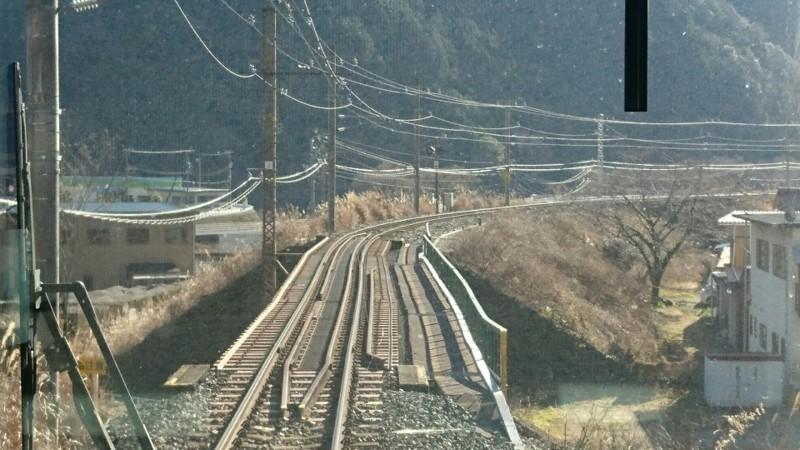 2018.1.11 みさくぼ (235) 豊橋いきふつう - 相月-佐久間間 960-540