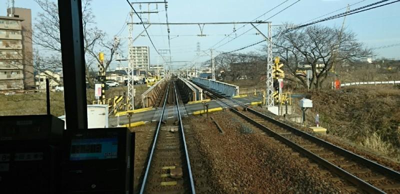 2018.2.19 岐阜 (59) 岐阜いきふつう - 五条川をわたる 1280-620