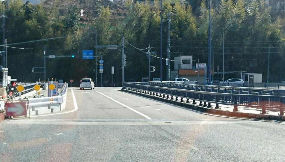 2018.2.27 (54) 中垣内いきバス - 松平橋をわたる 950-540