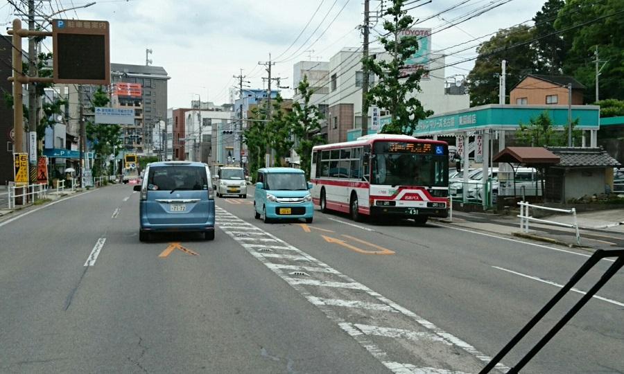 2018.5.29 成田環回顧展 (7) 名鉄バス - 電車どおり 900-540