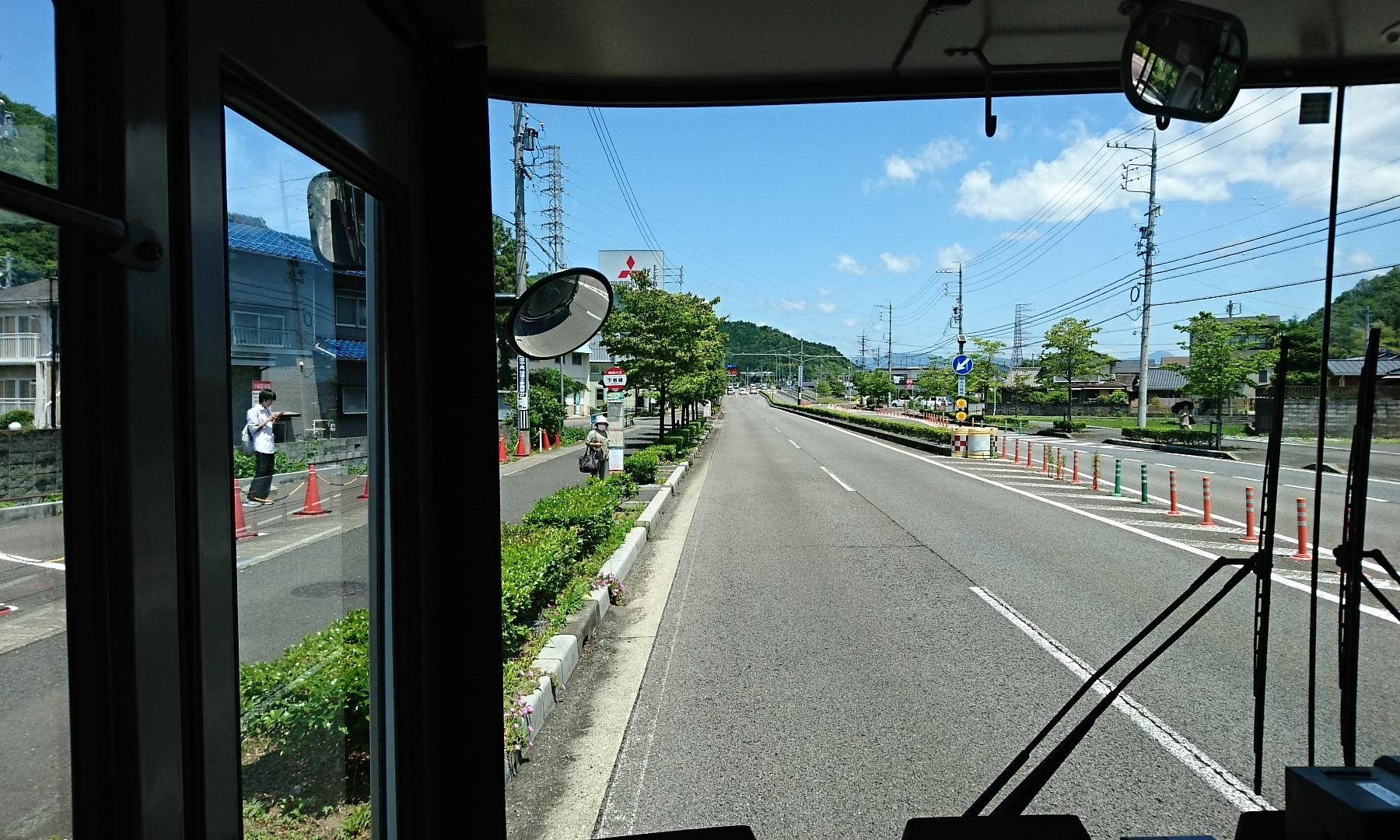 2018.6.1 岐阜 (44) 高富いきバス - 下岩崎バス停 1800-1080