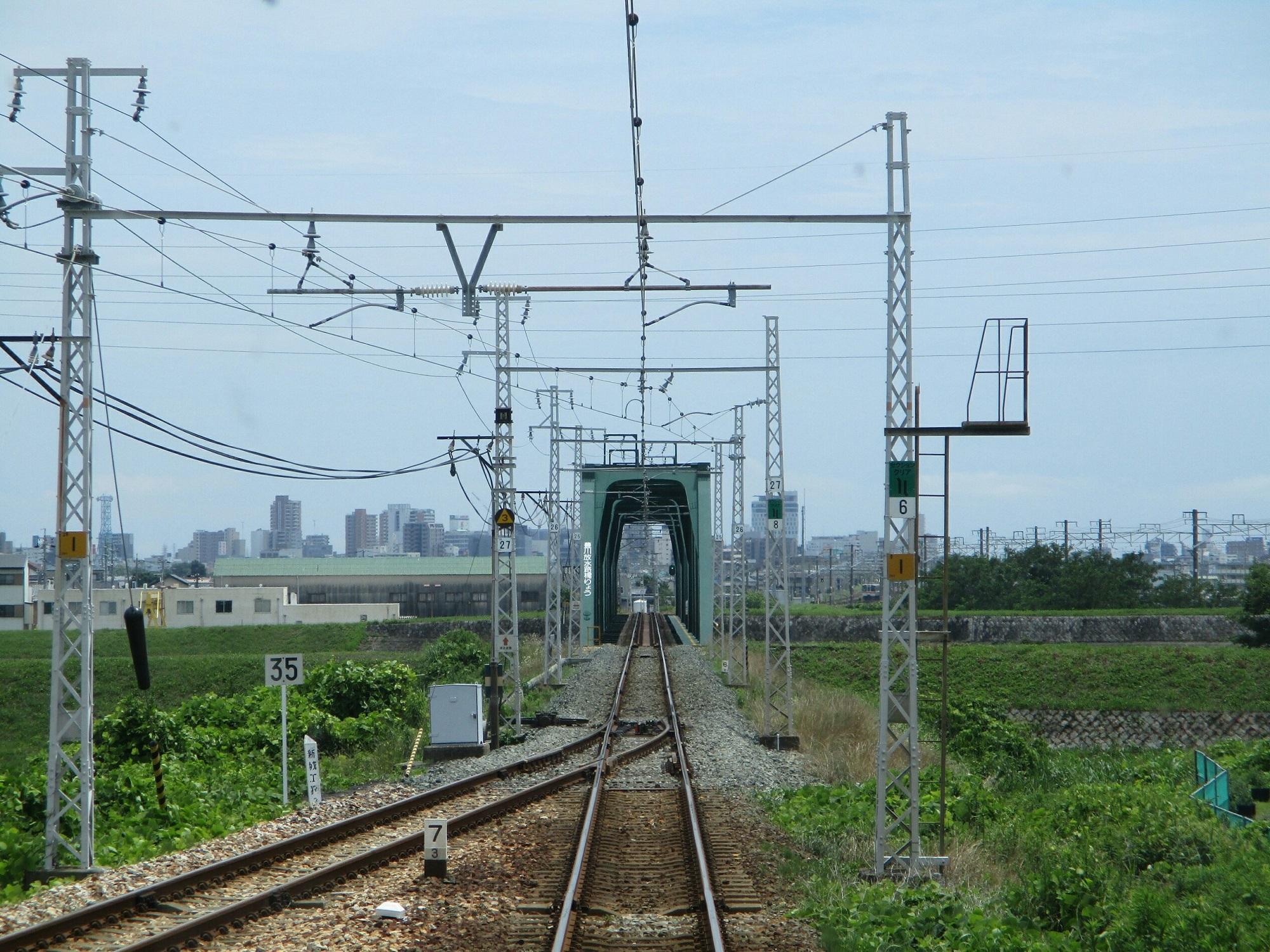 2018.6.19 (48) 豊橋いき急行 - 豊川放水路をわたる 2000-1500