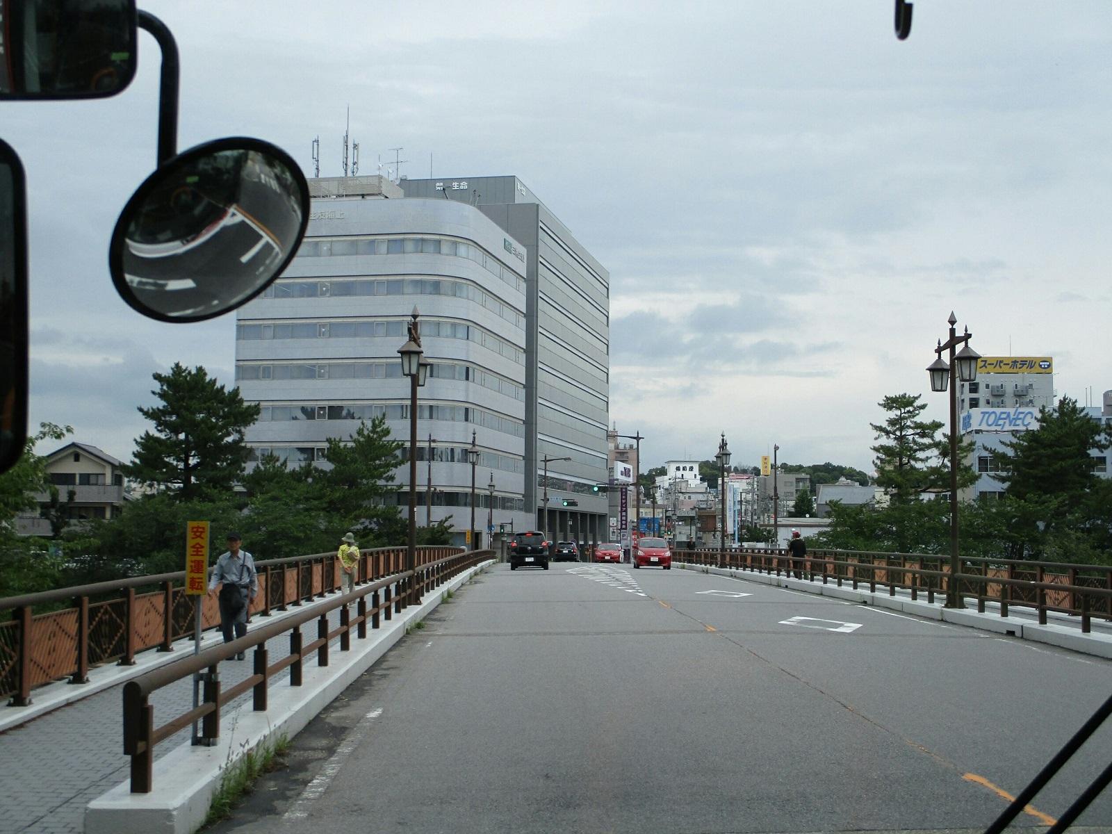 2018.6.21 (17) JRあんじょうえきいきバス - 明代橋をわたる 1600-1200
