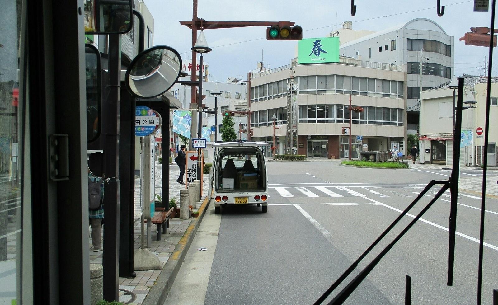 2018.6.21 (18) JRあんじょうえきいきバス - 篭田公園前バス停 1600-980