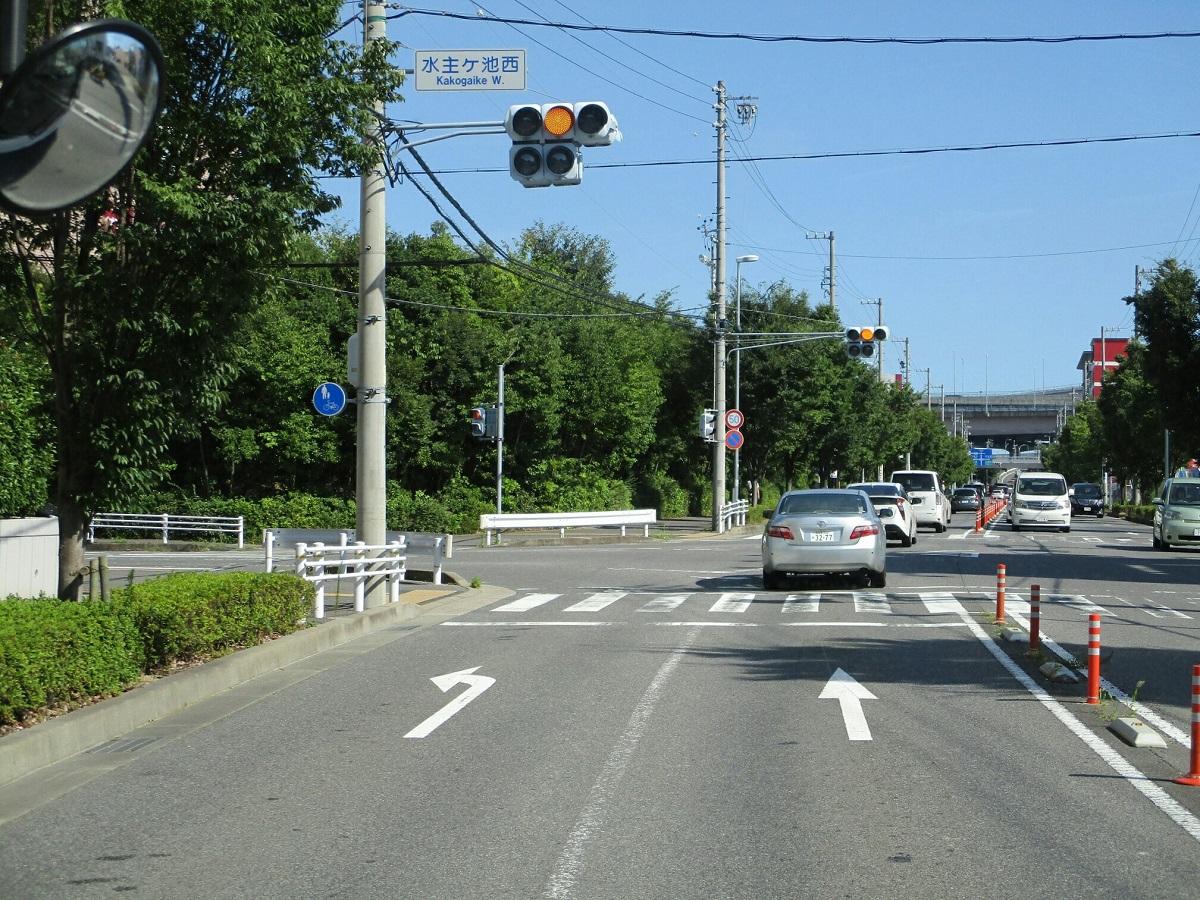 2018.7.21 (47) イオンモール大高いきバス - 水主ケ池西交差点を直進 1200-900