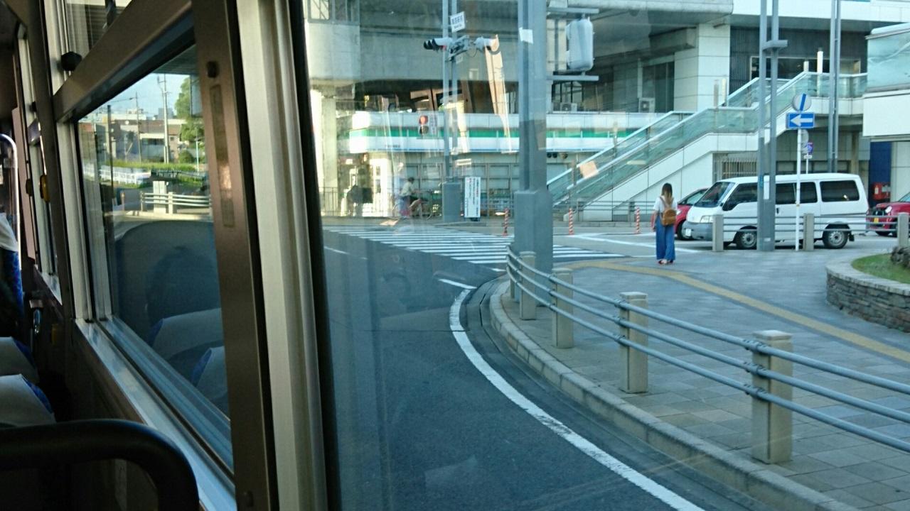 2018.7.21 (52あ) 鳴海駅いきバス - 鳴海駅前交差点を右折 1280-720