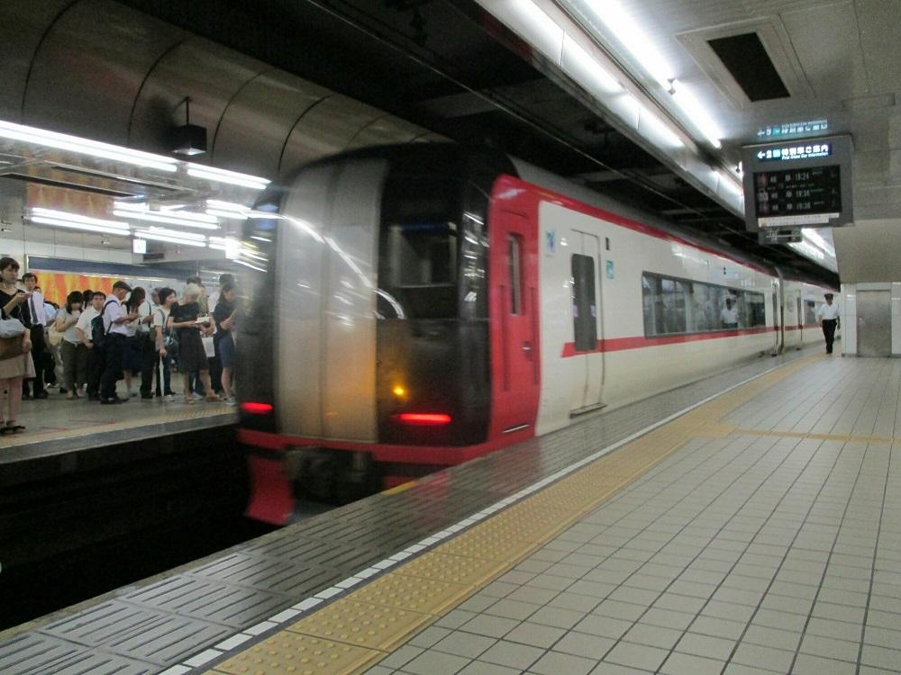 2018.7.27 (104) 名古屋 - 新鵜沼いき快速特急 1000-750