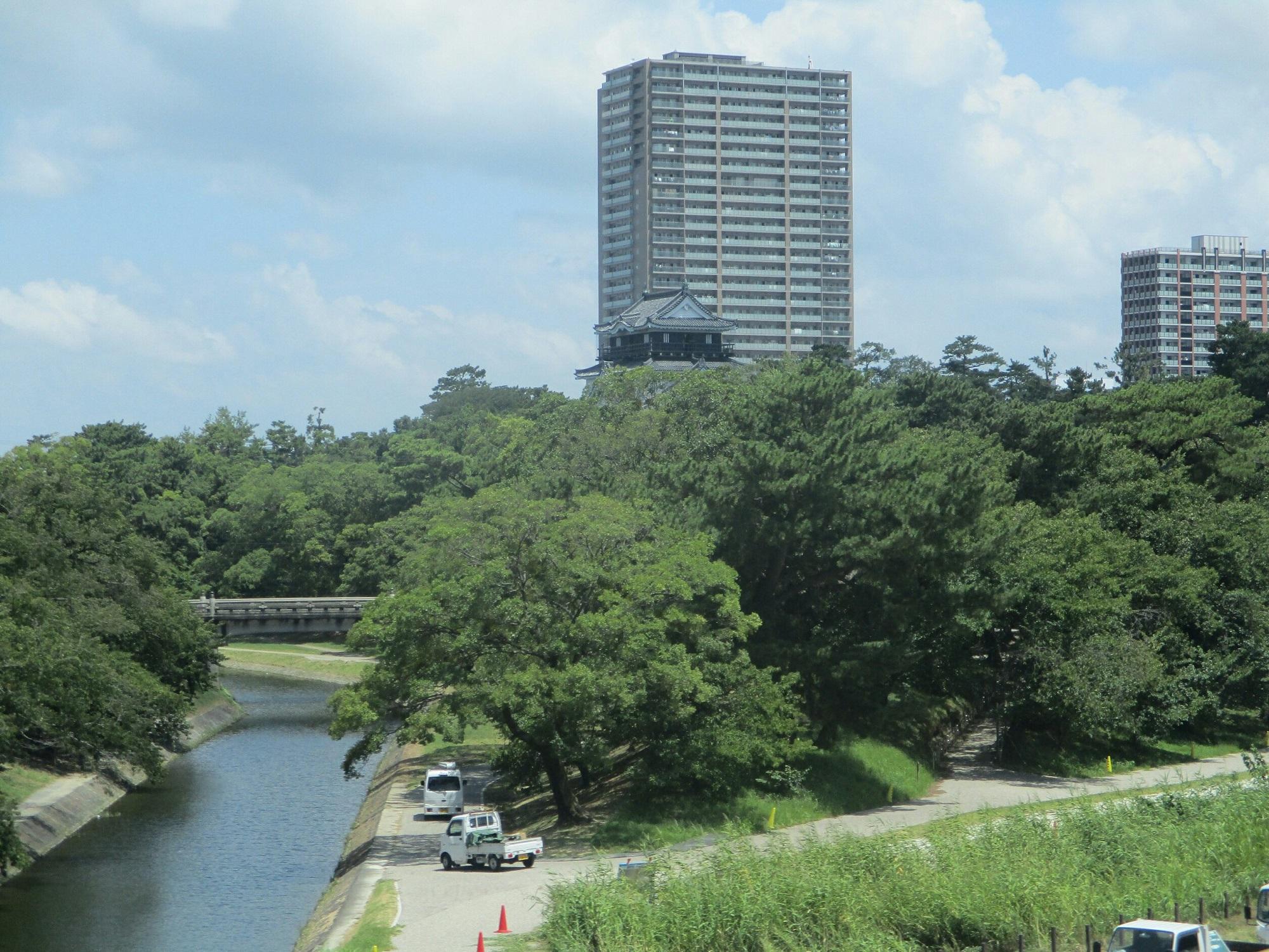 2018.7.31 (10) 東岡崎いきふつう - 菅生川をわたる 2000-1500