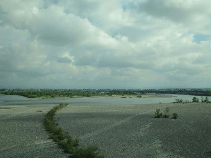2018.8.10 (18) 東京いきこだま - 天竜川をわたる 1600-1200