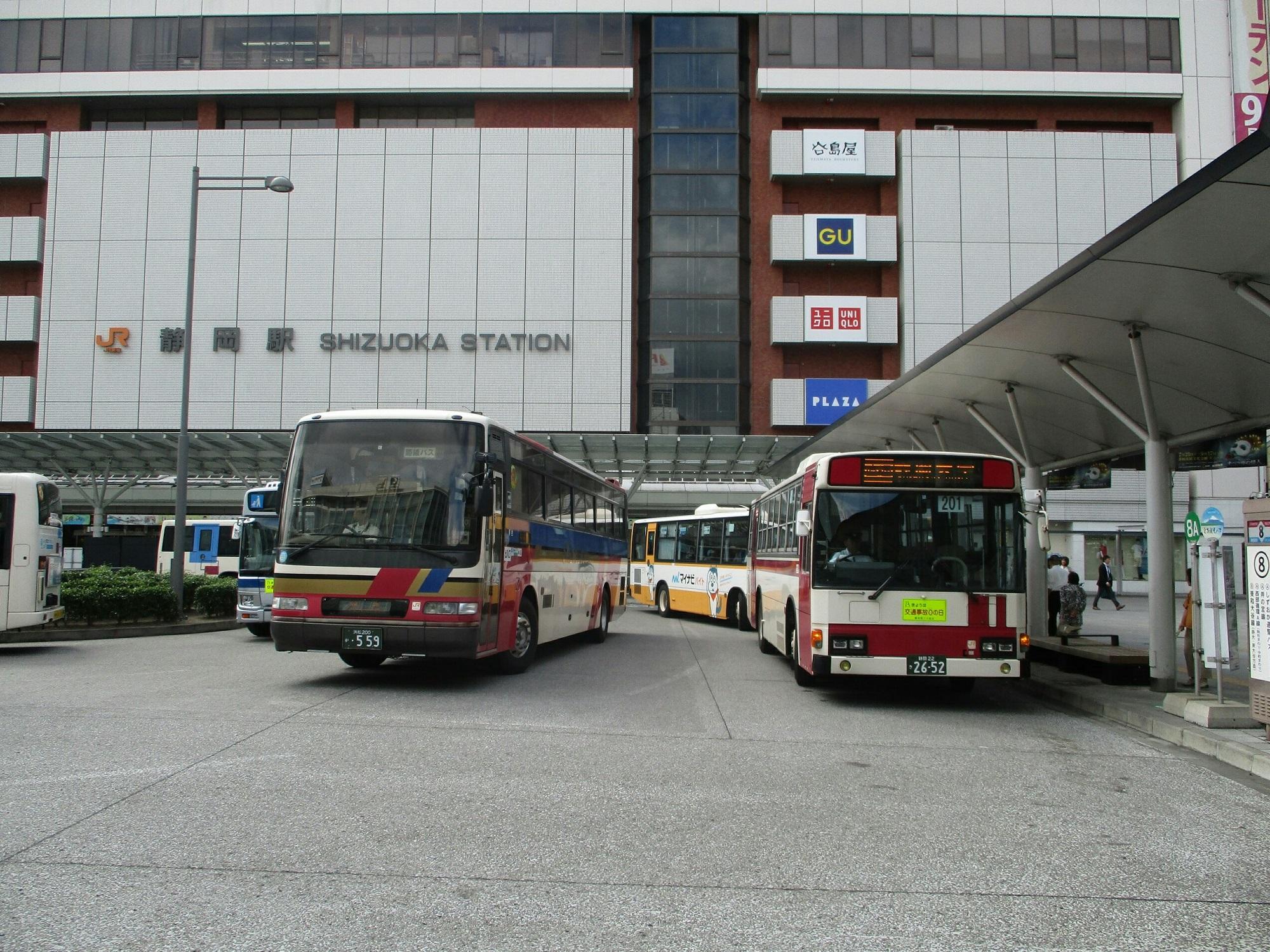2018.8.10 (21) 静岡えきまえ - バスのりば 2000-1500