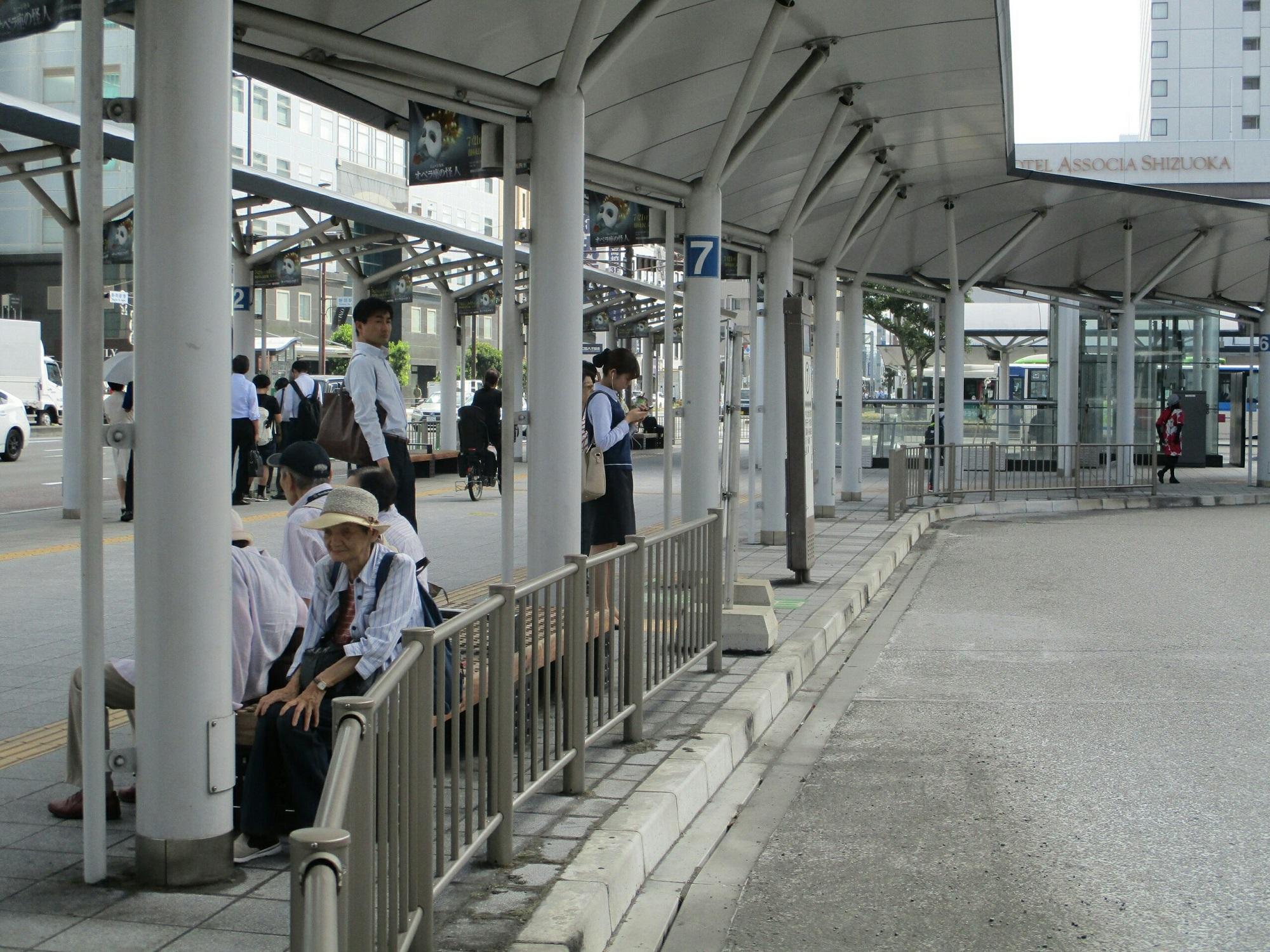 2018.8.10 (22) 静岡えきまえ - バスのりば 2000-1500