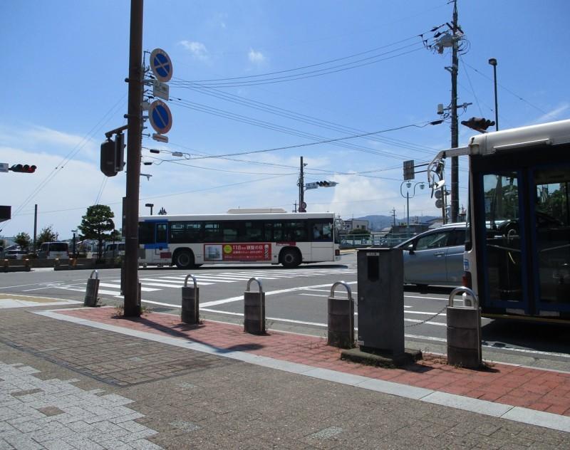 2018.8.10 (93) 港橋バス停 - 三保車庫いきバスとはんたいバス 1140-900