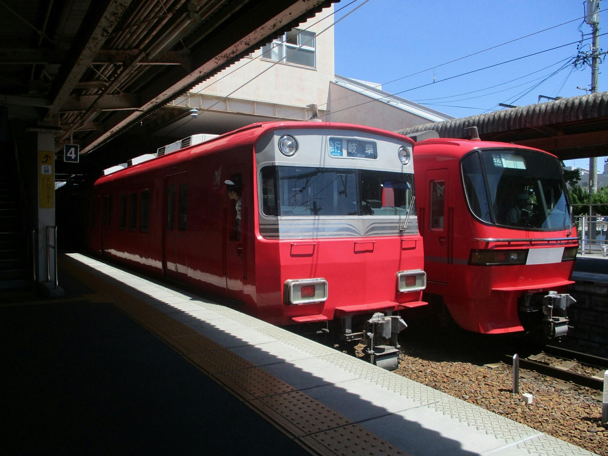 2018.8.17 (78) 犬山 - 岐阜いき急行と回送 2000-1500