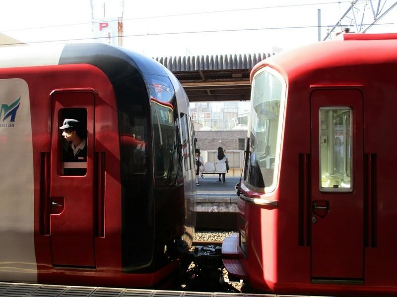 2018.8.27 (13) 東岡崎 - 豊橋いき特急(連結部) 2000-1500