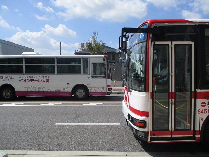 2018.8.29 (13) アンフォーレバス停 - 更生病院いきバスとしんあんじょういきバス 800-600
