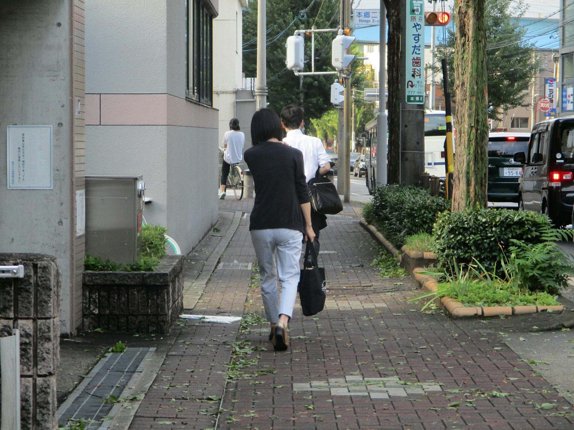 2018.9.5 (1) 本郷2丁目交差点てまえ 2000-1500