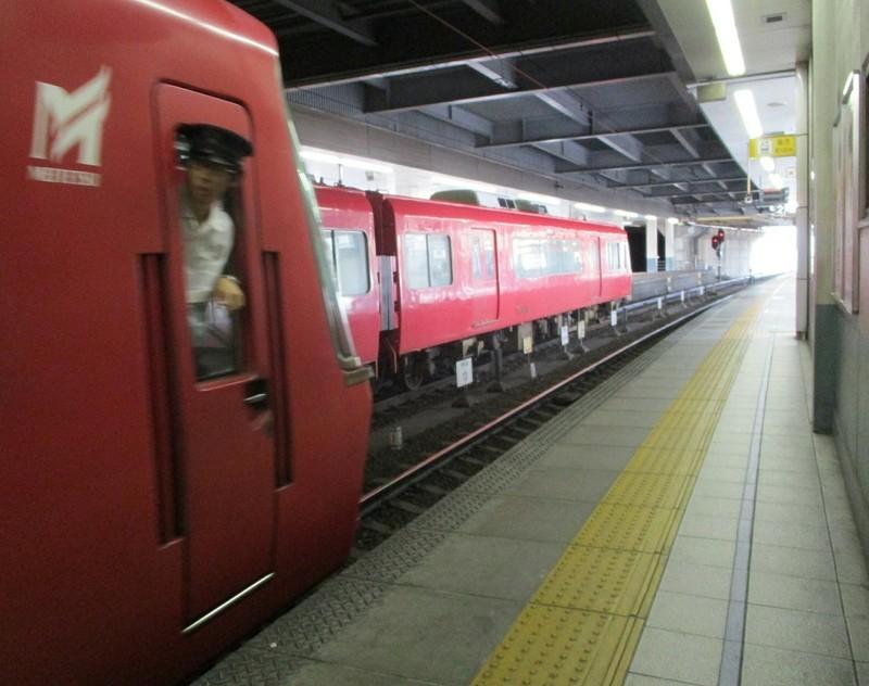 2018.9.11 (12) 金山 - 名古屋いき特急と内海いきふつう 1140-900