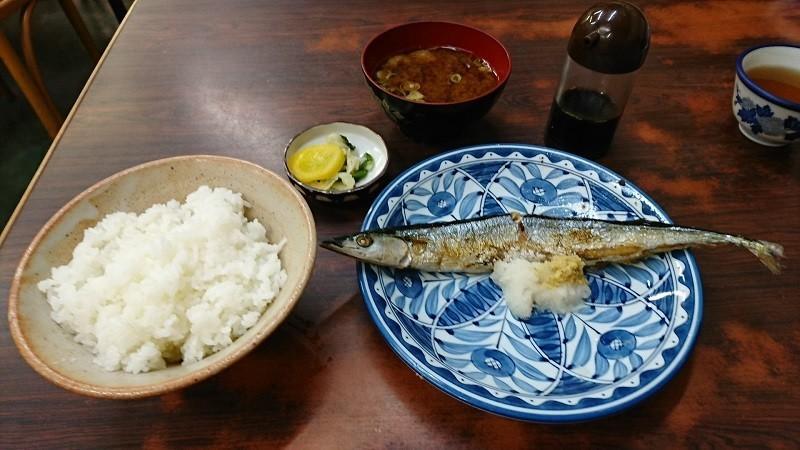 2018.10.5 水星食堂 - さんま定食 800-450