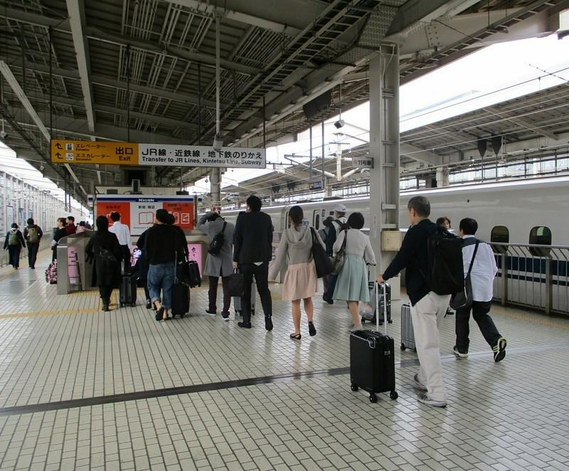 2018.10.16 (7) 京都 - 新大阪いきのぞみ203号 1450-1200