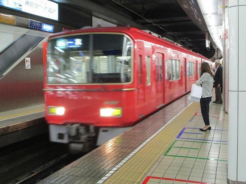 2018.10.26 (14) 名古屋 - 一宮いき急行 800-600