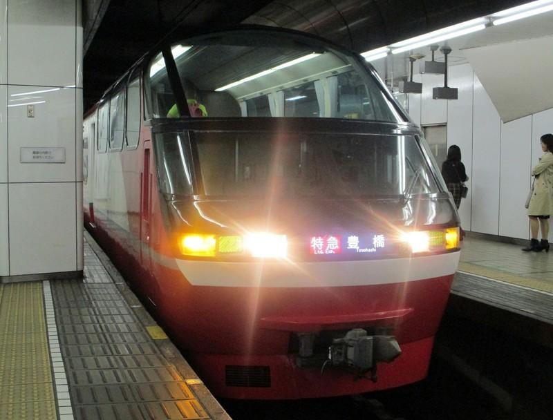 2018.11.3 (12) 名古屋 - 豊橋いき特急 1580-1200