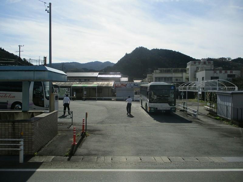 2018.11.17 (5) 1049 本長篠バスターミナル 1800-1350