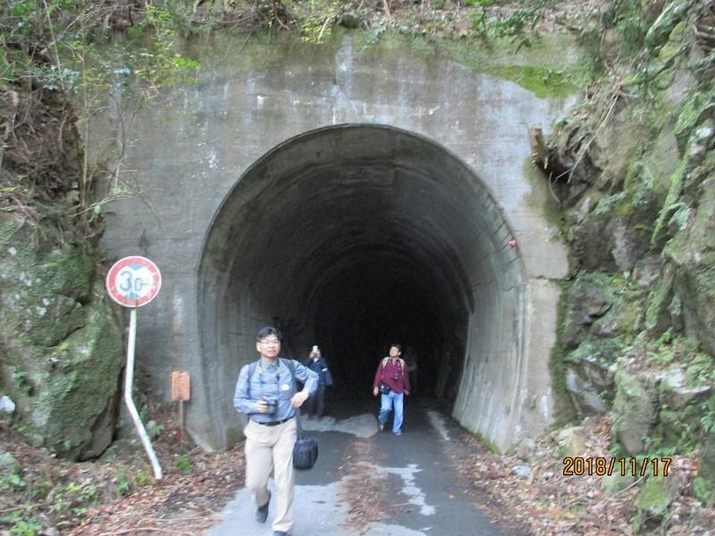 2018.11.17 (149) トンネルでる 1600-1200