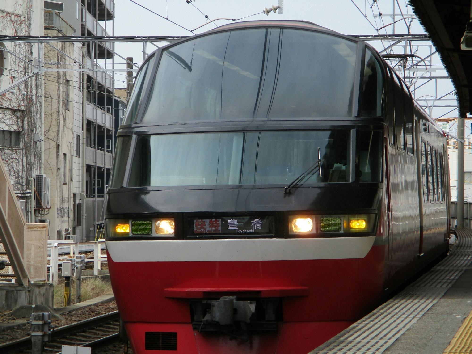 2018.12.3 (33) 東岡崎 - 豊橋いき快速特急 2000-1500