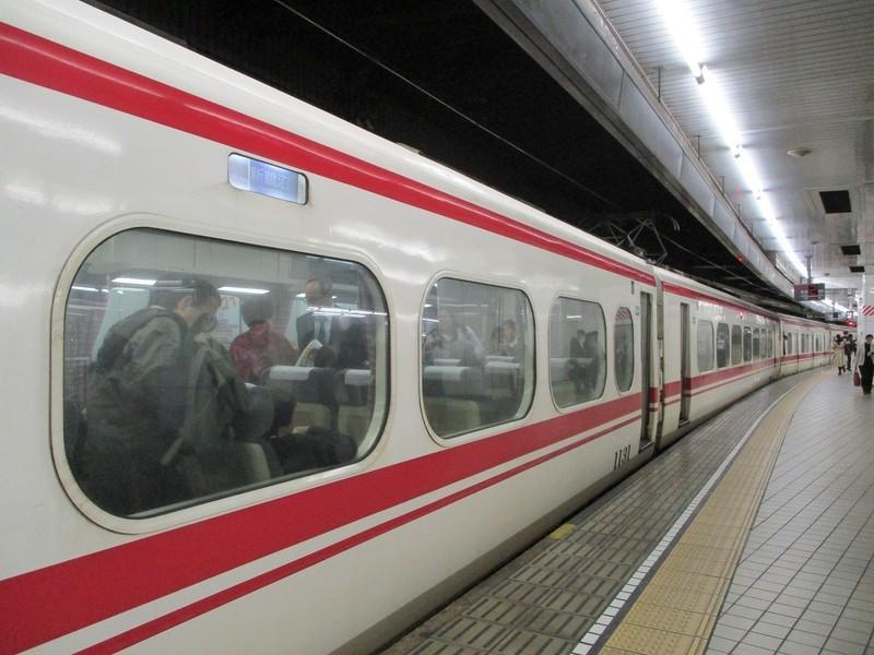 2018.12.6 (13) 名古屋 - 新鵜沼いき快速特急「1311」 1400-1050