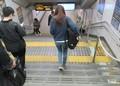 2018.12.11 (29) 千種 - 中央線から地下鉄へののりかえ階段 1600-1150
