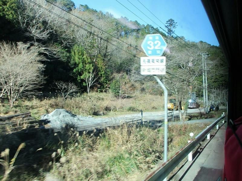 2018.12.14 (84) 田口いきバス - 左折 1000-750