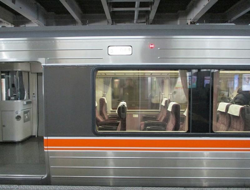 2018.12.14 (187) 豊橋4番のりば - 豊橋いきワイドビュー伊那路2号 1380-1050