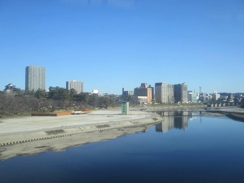 2019.1.7 (5) 豊橋いき特急 - 菅生川をわたる 1600-1200