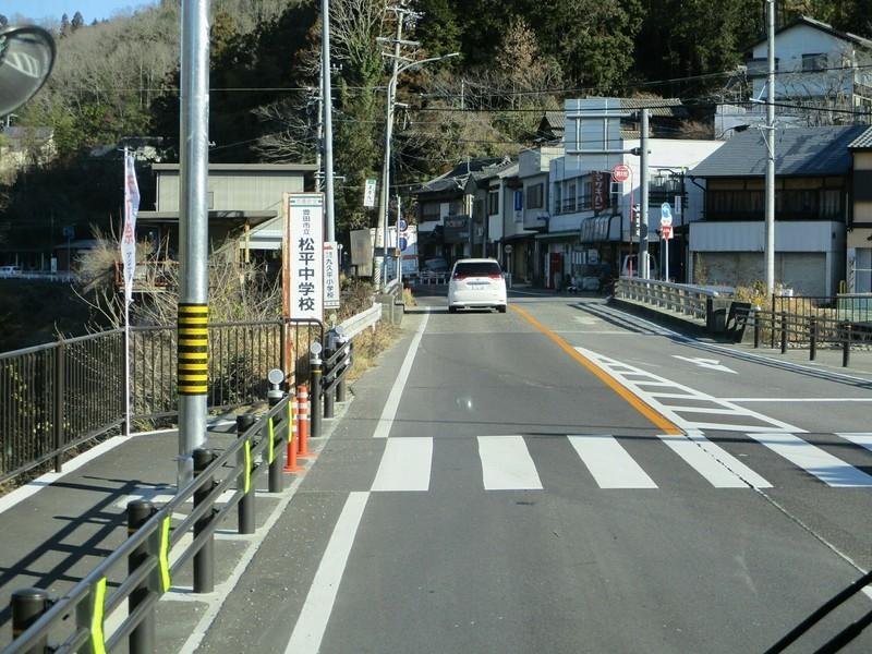 2019.1.7 (27) 足助いきバス - 九久平バス停 1800-1350