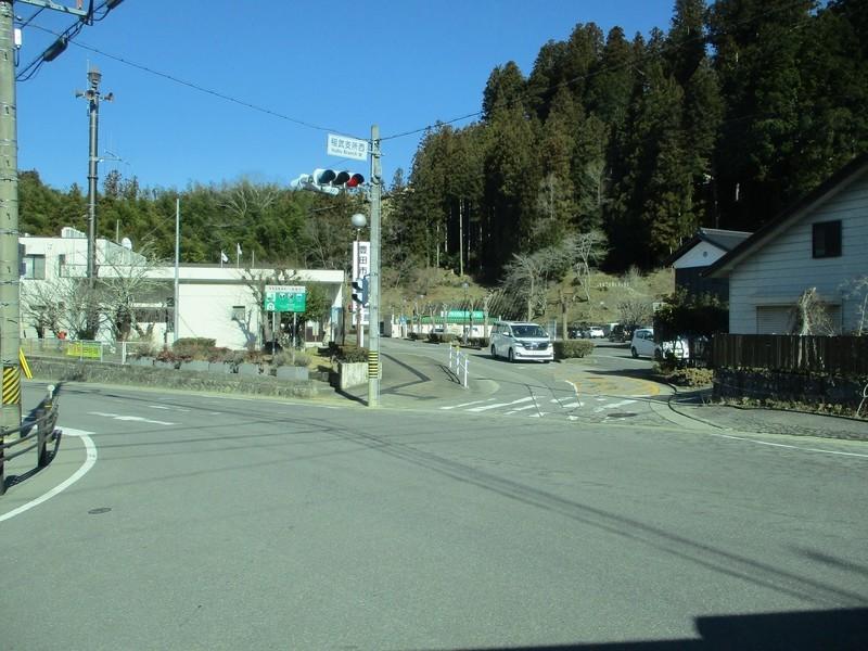 2019.1.7 (72) どんぐりの湯前いきバス - 稲武支所西交差点を右折 1600-1200