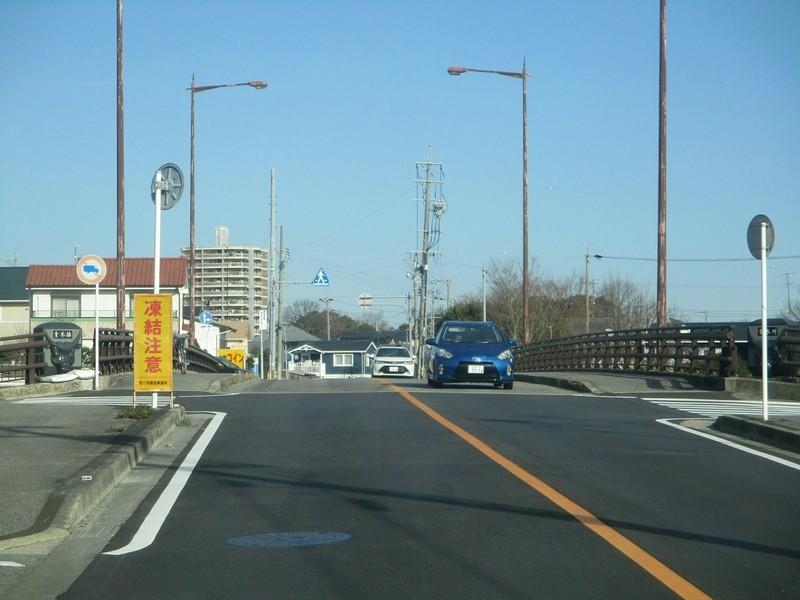 2019.1.11 (15) 足助いきバス - 青木橋をわたる 2000-1500