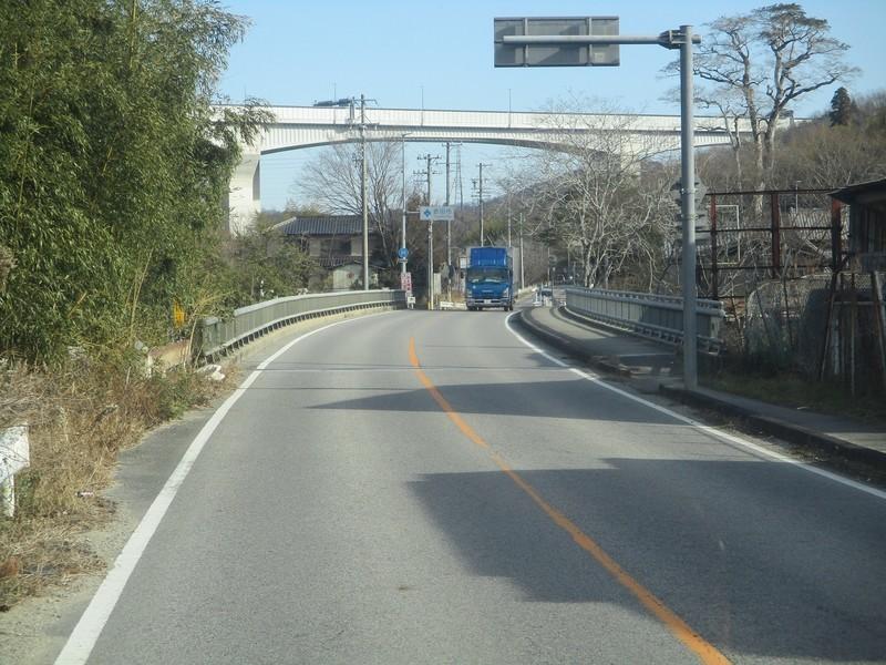2019.1.11 (28) 足助いきバス - 郡界川をわたる 1800-1350