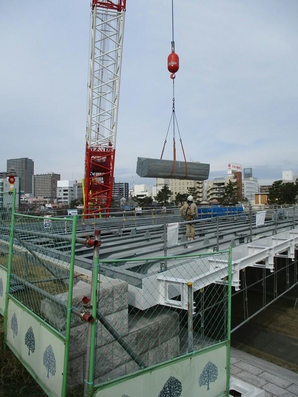 2019.1.15 (13) 乙川人道橋 - 鋼板をおろす 1500-2000