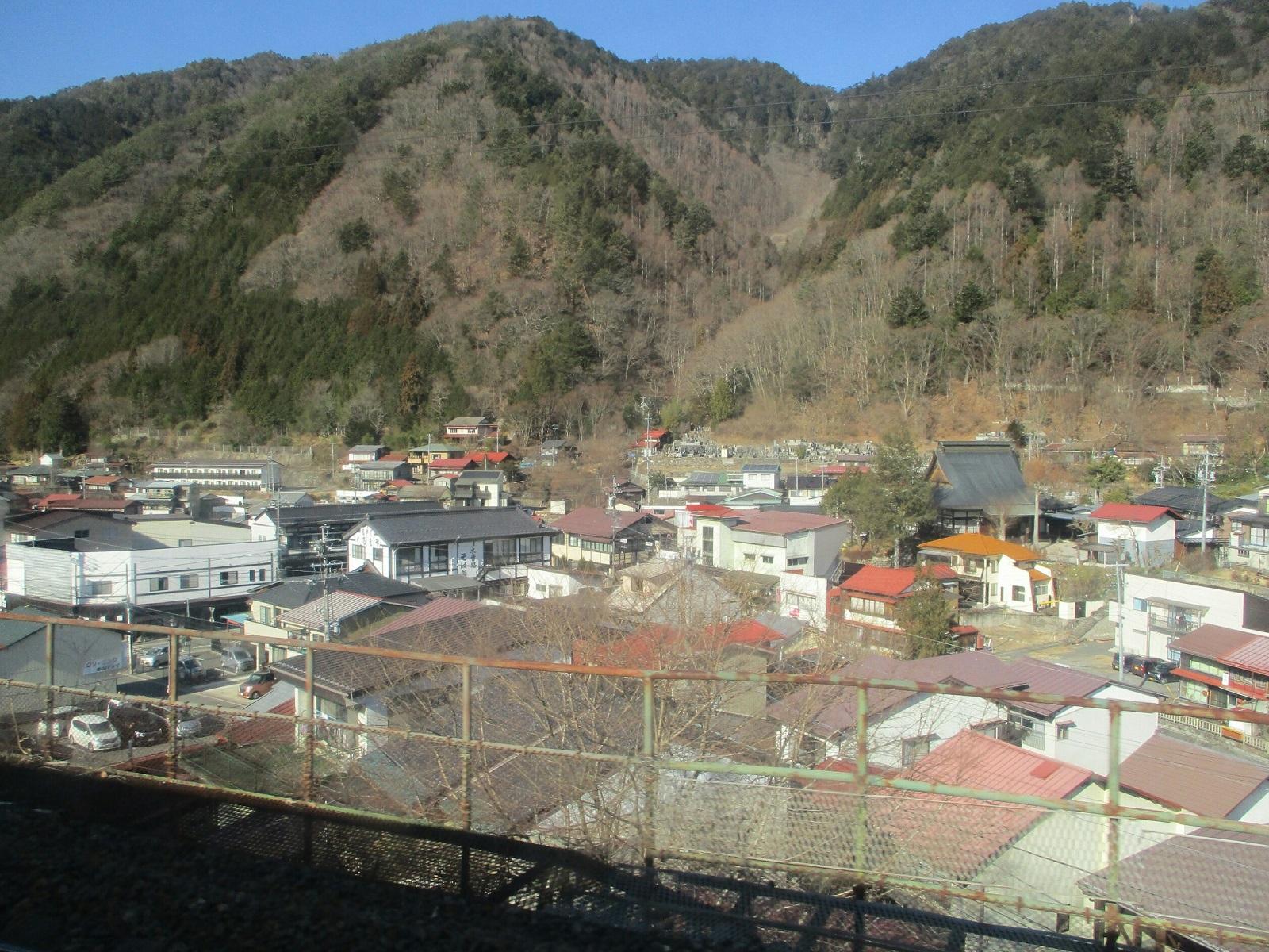 2019.1.25 (19) 名古屋いきワイドビューしなの - 木曽福島てまえ 1600-1200