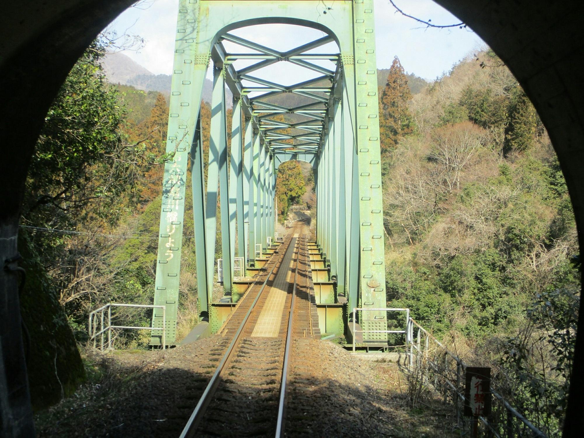 2019.3.1 (86) 樽見いきふつう - 第6根尾川鉄橋 2000-1500