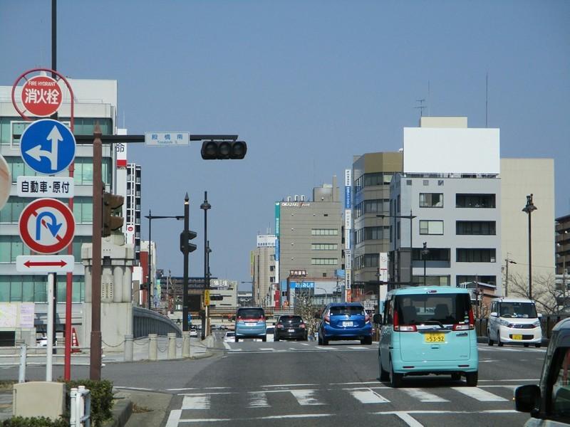 2019.3.15 (19) 桜形いきバス - 殿橋をわたる 2000-1500