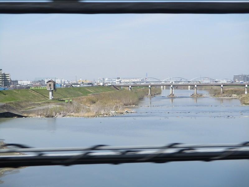 2019.3.18 (100) 柏原いきふつう - 大和川鉄橋をわたる(かわしも) 1600-1200