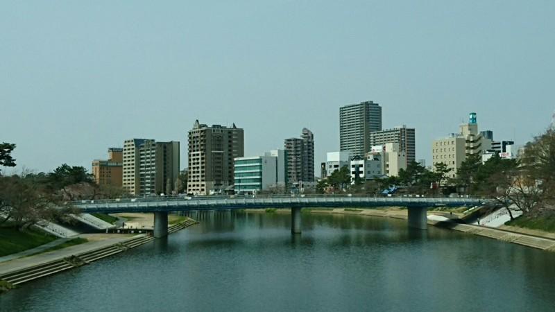 2019.3.29 (15) 大樹寺いきバス - 明代橋をわたる(桜城橋) 1440-810