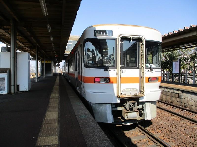 2019.4.4 (13) 鵜沼 - 岐阜いきふつう(うしろ) 2000-1500