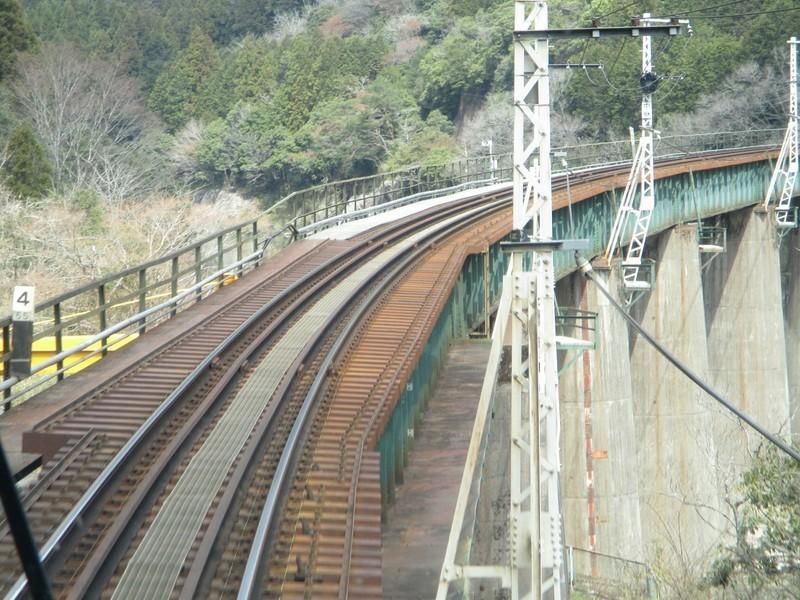 2019.4.4 (74) 下呂いきふつう - 白川口下油井間(鉄橋) 1600-1200